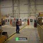 Kabiny akustyczne operatorskie na hali produkcyjnej